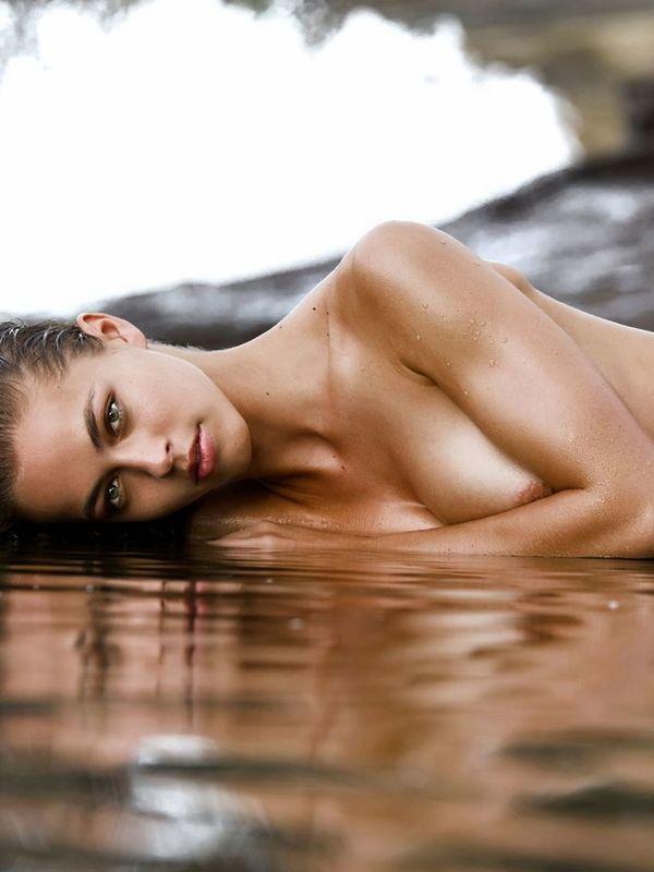 Model caroline kelley nude and sexy photoshoot
