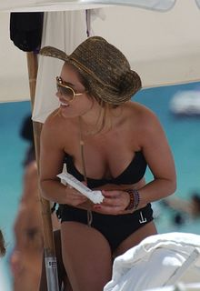 Elen Rivas in black bikini at Miami Beach - August 04, 2011