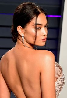 Shanina Shaik tit slip at 2019 Vanity Fair Oscar Party in Beverly Hills - February 24, 2019