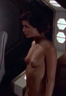 Polly Shannon nude tits in The Outer Limits S05E07 The Human Operators