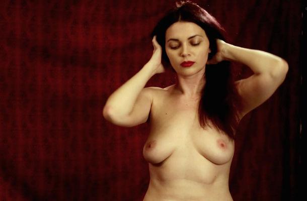 Nackt Erin Russ  Nude Celeb