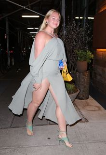 Iskra Lawrence arriving to her hotel in New York City - April 15, 2019