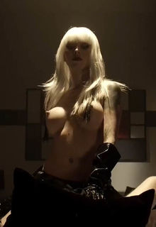 Sari Cummings big nude boobs in Dragon Eyes (2012)