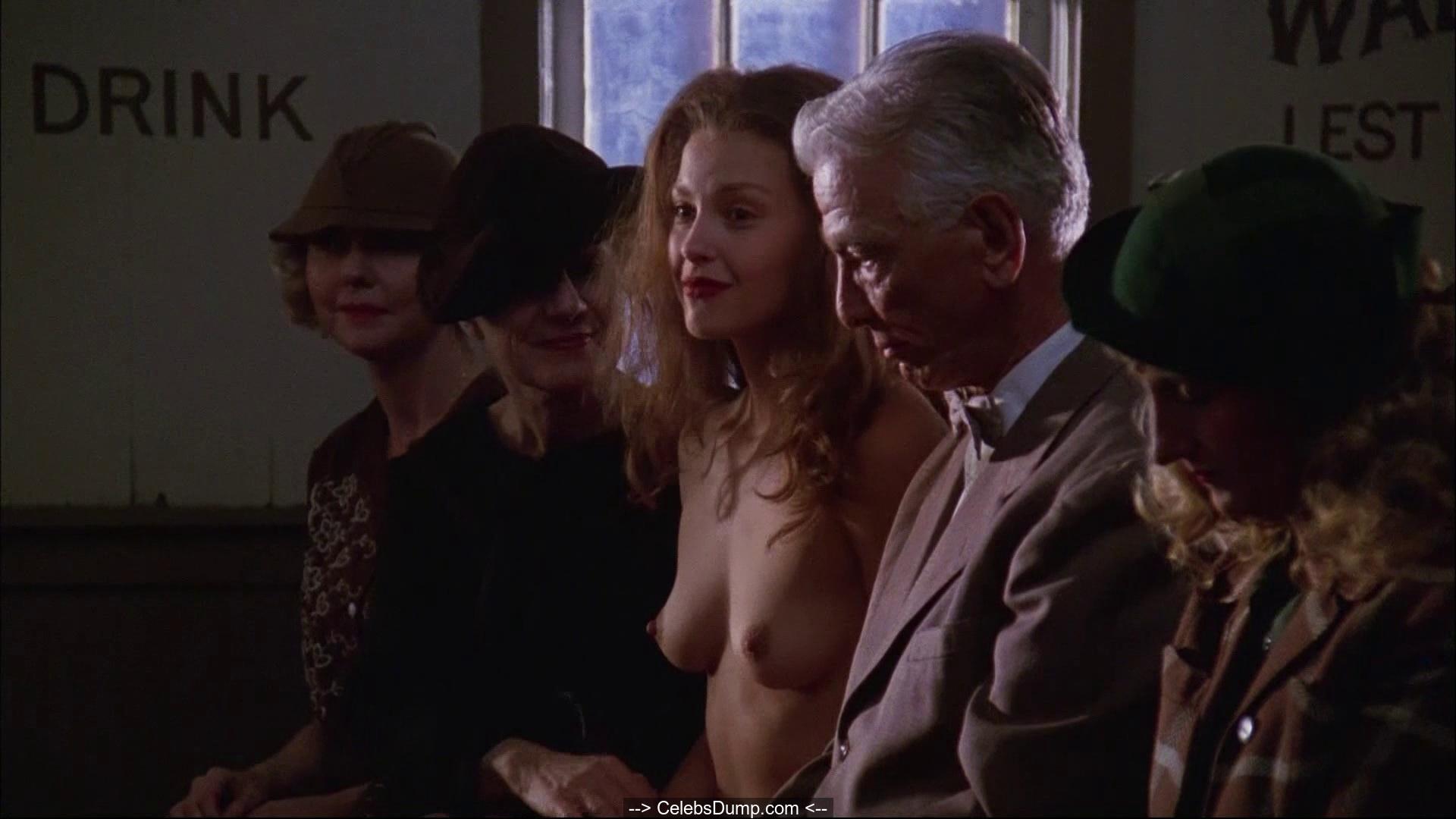 Sexy naked columbian female pics