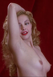 Ashley Judd fully nude in Norma Jean & Marilyn