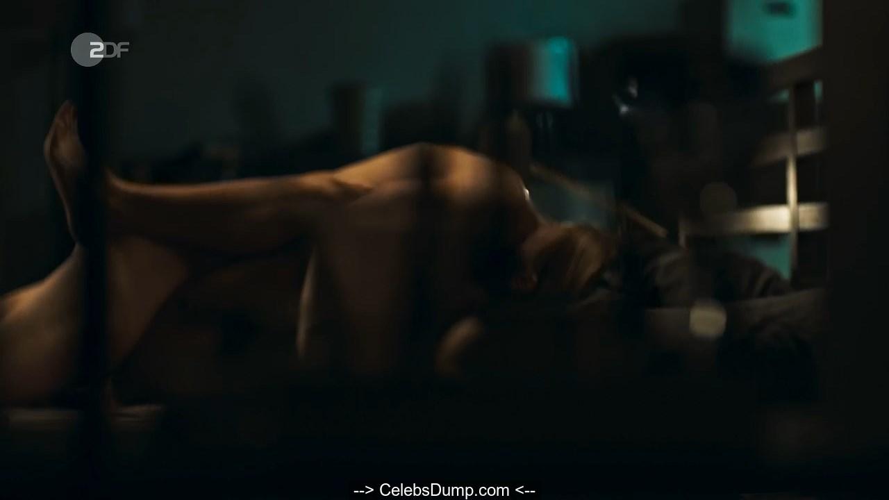 Lisa Ross  nackt