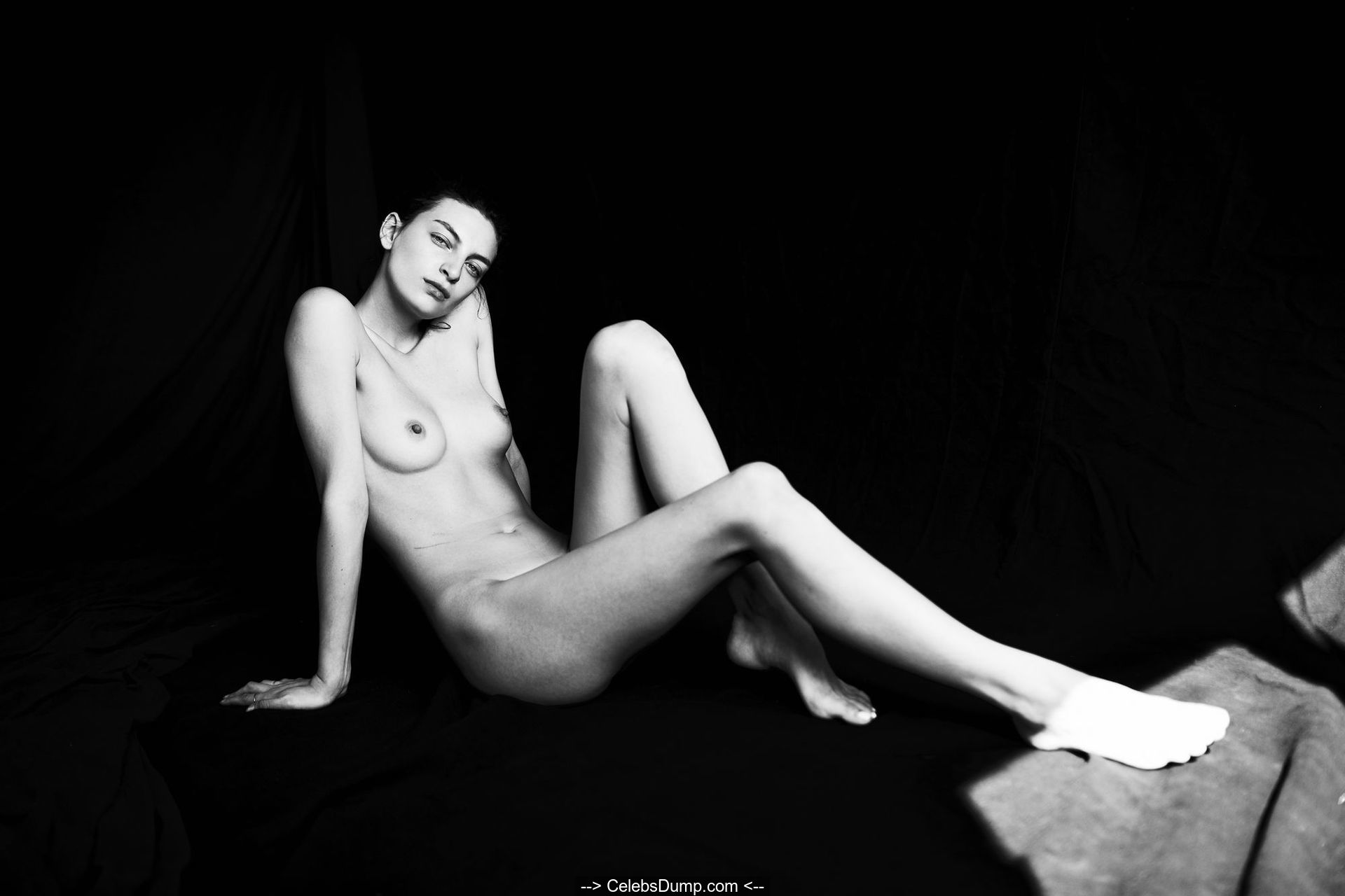 Nackt Anne Kidd  Anne Kidd