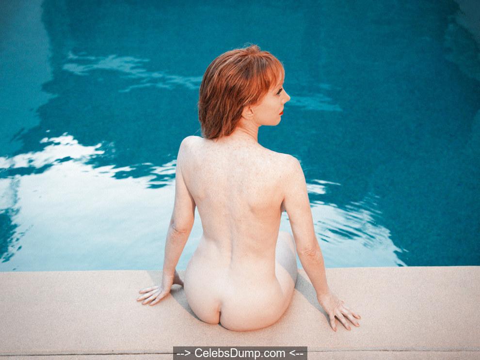 Ice bucket challenge kathy griffin naked