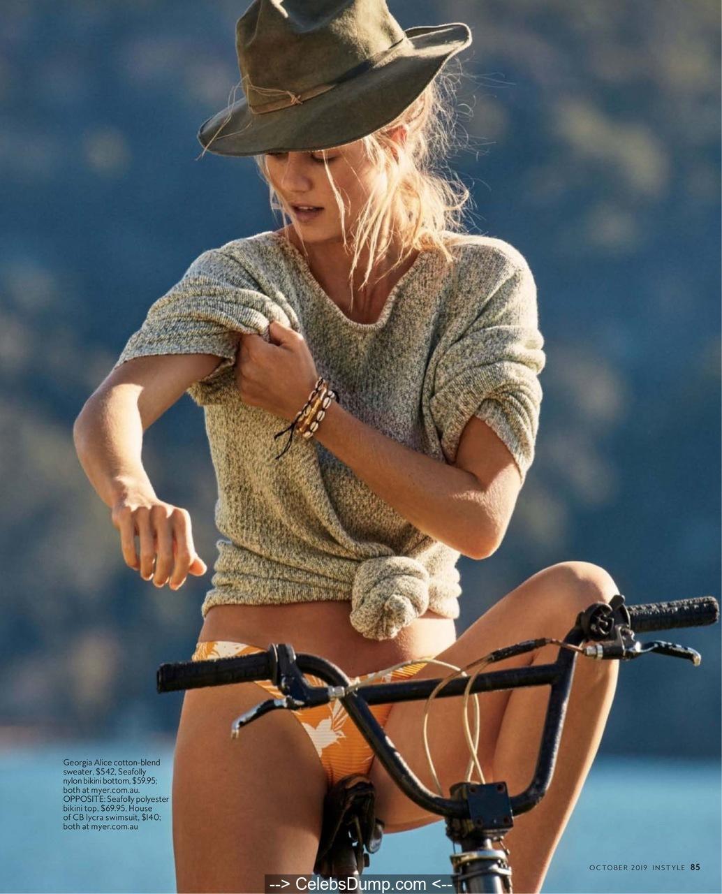 Kristia Knowles  nackt