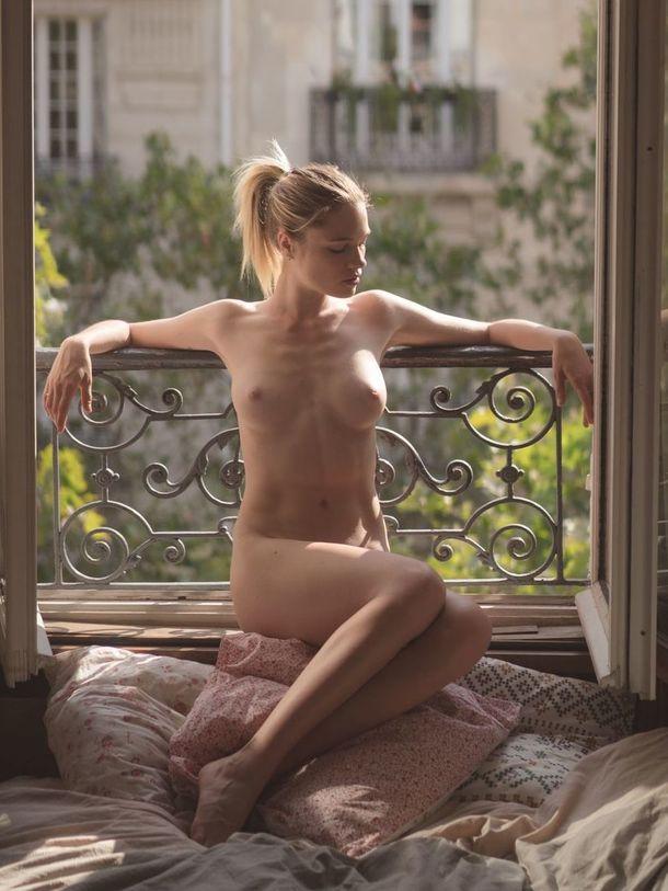 Biechy nude eva French model
