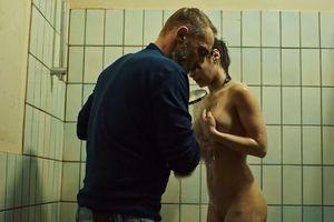 Lann lola naked le Lola Le