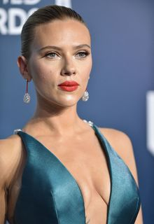 Scarlett Johansson sexy cleavage at 26th Annual SAG Awards at the Shrine Auditorium in Los Angeles - January 19, 2020