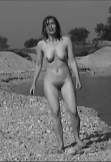 Sonja Miklauzic fully nude at Bager (2003)