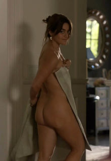 Alison Jaye shows her nude ass in Shameless s10e10 (2020)