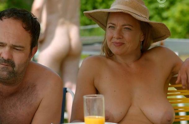 Nackt Stephanie Gossger  Stephanie Gossger