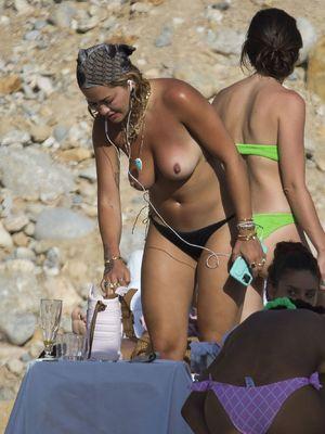 Ora topless rita Rita Ora